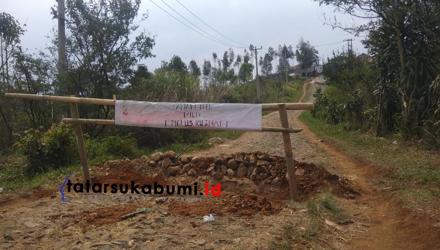 Akses Jalan di Gegerbitung Sukabumi Diblokade Warga, Camat : Bukan Jalan Umum