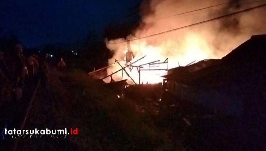 Breaking News! Pabrik Tahu dan 2 Rumah di Segog Cibadak Terbakar
