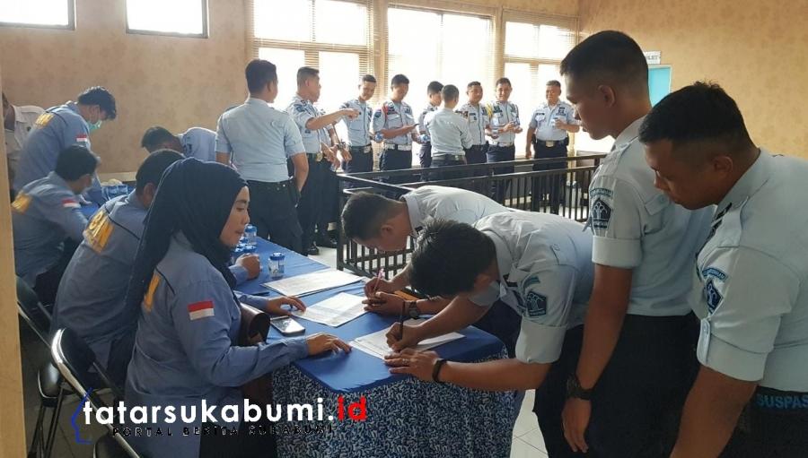 BNNK Sukabumi Test Urine Petugas dan Warga Binaan Lapas Warungkiara