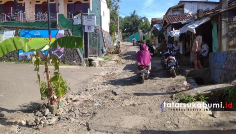 Viral! Jalan Butut Diupload Guru Malah Disalahkan, Anggota DPRD Kabupaten Sukabumi : Ini Bentuk Arogansi Intimidasi dan Persekusi