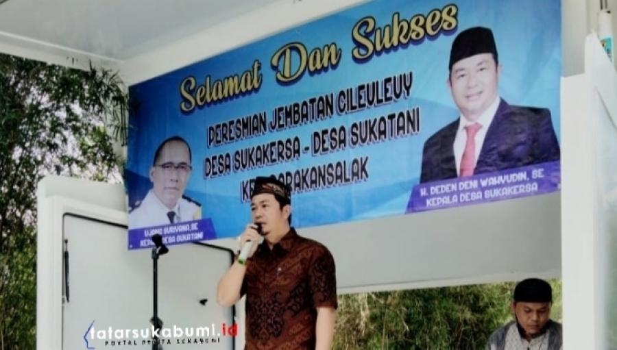 Ketua Apdesi Kabupaten Sukabumi Resmikan Jembatan Penghubung Parakansalak Kalapanunggal