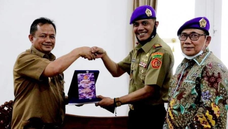 Ikatan Alumni Resimen Mahasiswa Indonesia Temui Pjs Bupati Sukabumi