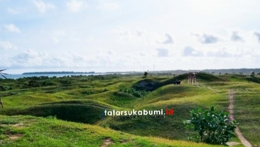 Bukit Teletubbies Nyata di Ujung Genteng Sukabumi