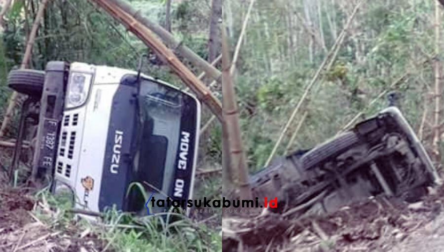 Akibat Jalan Rusak Truk Terperosok Masuk Jurang di Sukabumi