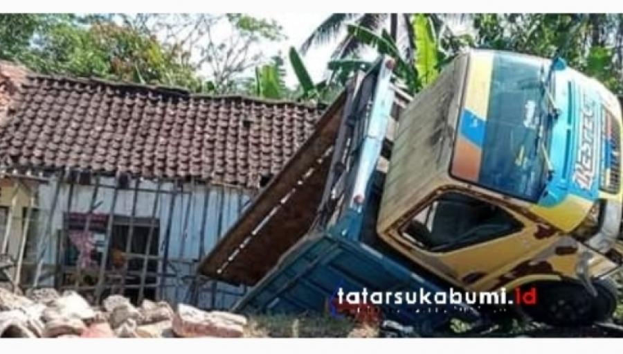 Truk Amblas Seruduk Rumah Warga Sukabumi