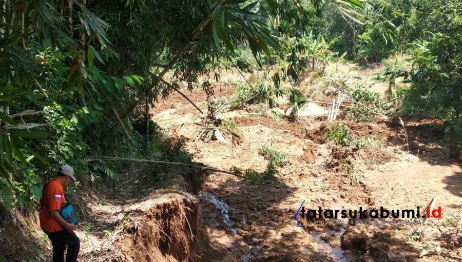 Tebing di Desa Ginanjar Ciambar Tergerus Longsor