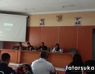 Kepala Kejaksaan Negeri Kabupaten Sukabumi Datangi Dinsos dan Kumpulkan TKSK