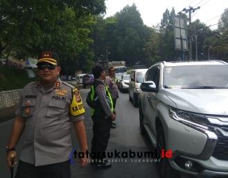 H-1 Pelantikan Jokowi Maruf Amin, Polisi Lakukan Penyekatan di Ruas Jalan Sukabumi - Jakarta