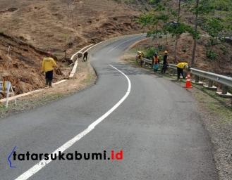 Antisipasi Natal dan Tahun Baru Jalur Geopark Ciletuh Dinas Pekerjaan Umum Siapkan Alat Berat