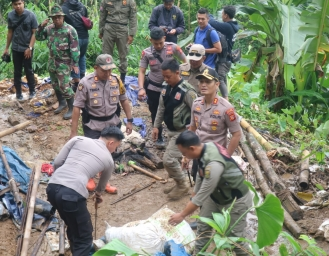 Polres Sukabumi Tutup 44 Tambang Emas Ilegal di Sukabumi