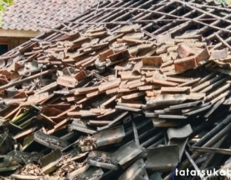 Tak Ada Hujan Tak Ada Angin, Rutilahu Milik Lansia di Nagrak Sukabumi Ambruk