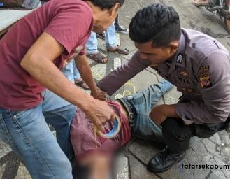 Seperti Jagoan Ancam Warga Dengan Pisau depan Minimarket Nyomplong Sukabumi, Seorang Pria Dibekuk Polisi