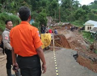 Kondisi Terkini Pasca Pergerakan Tanah di Nyalindung Sukabumi