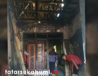 Rumah Bahar di Cibadak Terbakar