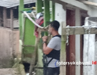 Tim Anti Teror Densus 88 Bersenjata Lengkap Kepung Rumah di Bojonggenteng Sukabumi