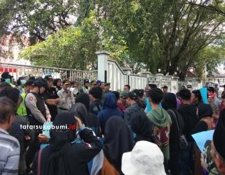 Tidak Puas Hasil Pemilihan Kades, Warga Tanjungsari Jampang Tengah Menggugat