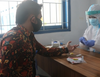 BNN Kabupaten Sukabumi Lakukan Rapid Test di Cibeureum Sukabumi