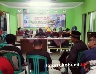 Pemdes Kebonpedes Sukabumi Bagi-bagi THR dari Uang Koropak