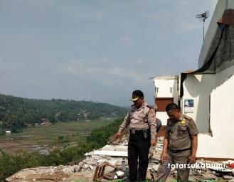 Rumah Ditelan Longsor di Parungkuda Sukabumi, Camat Himbau Masyarakat Ikut Aktif Lapor
